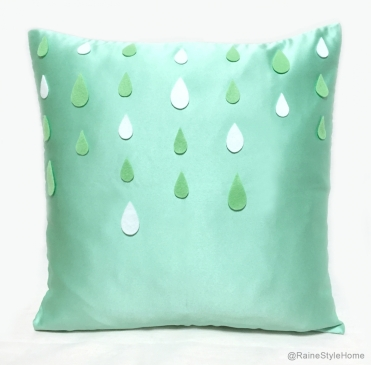 Cool rain droplets cushion (Smiling Cloud, misi.co.uk)