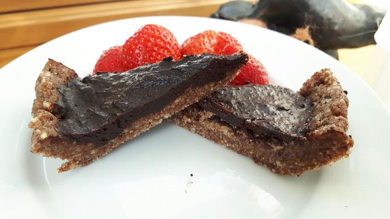 Rawsome vegan 'Super Sexy Cacao Cashew Cupcakes'